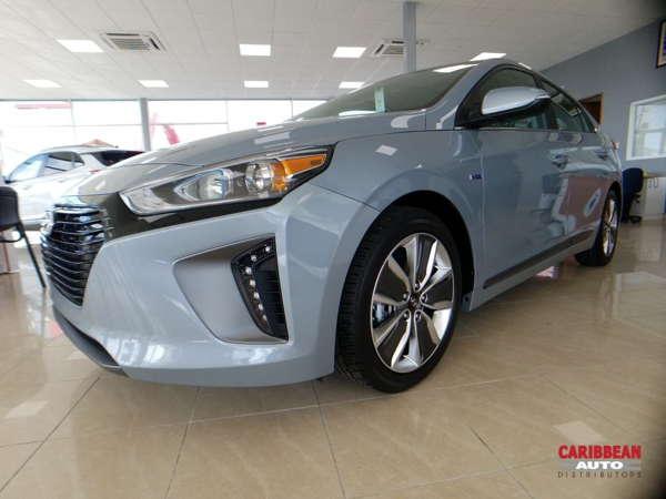 Hyundai Ioniq híbrido vs Toyota Prius ¿Es mejor el novato o el pionero?