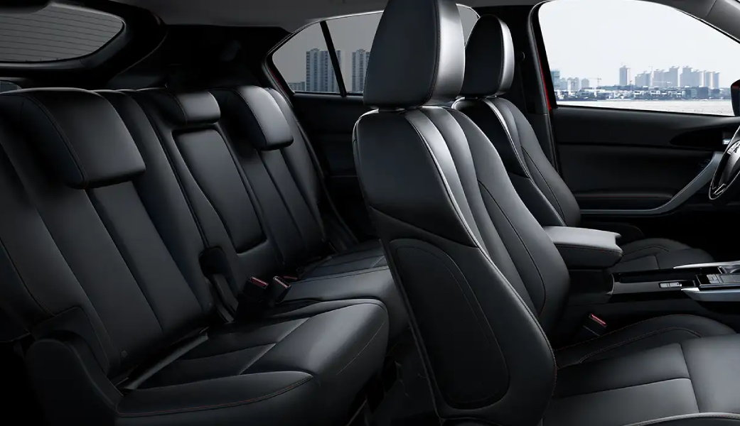 Mitsubishi-Eclipse-Cross-Features-Comfort-Second-Row-Seating