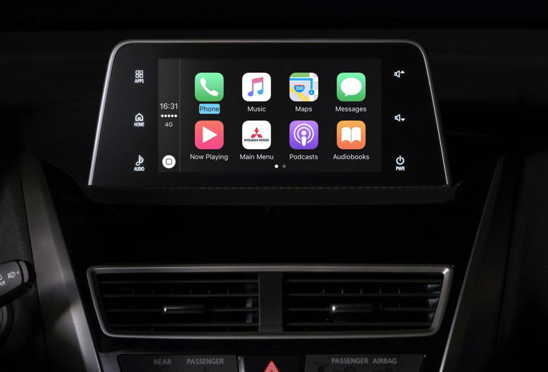 mitsubishi-eclipse-cross-pantalla-tactil