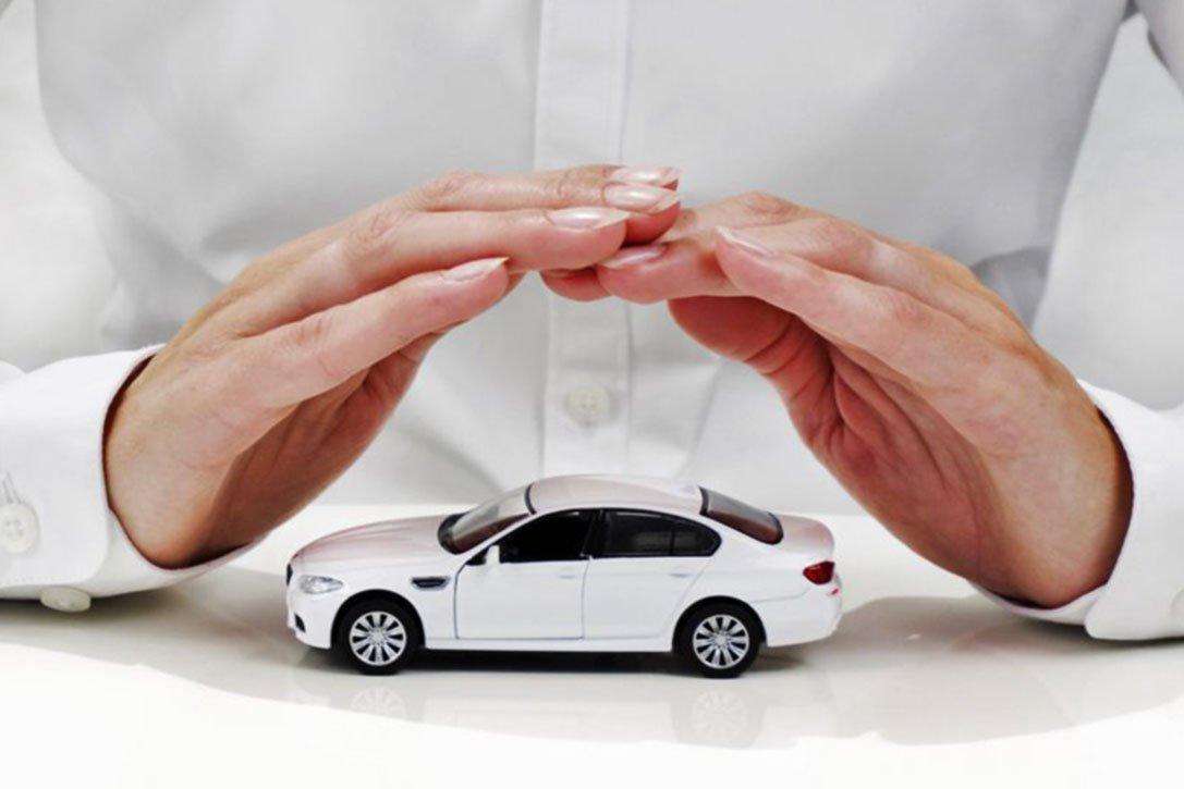 Contratar un seguro de auto, Diferentes tipos de cobertura, Manos, Blanco, Carro