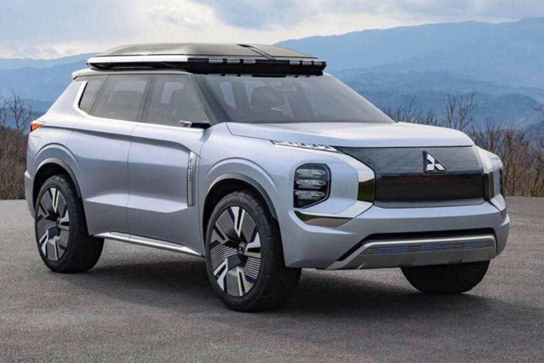 Mitsubishi,Año 2021, Caribbean Auto, SUV, Jeepeta, Gris, En el campo, Montañas