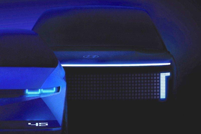 Diseño del Ionic 2024, Hyundai Azul, luces